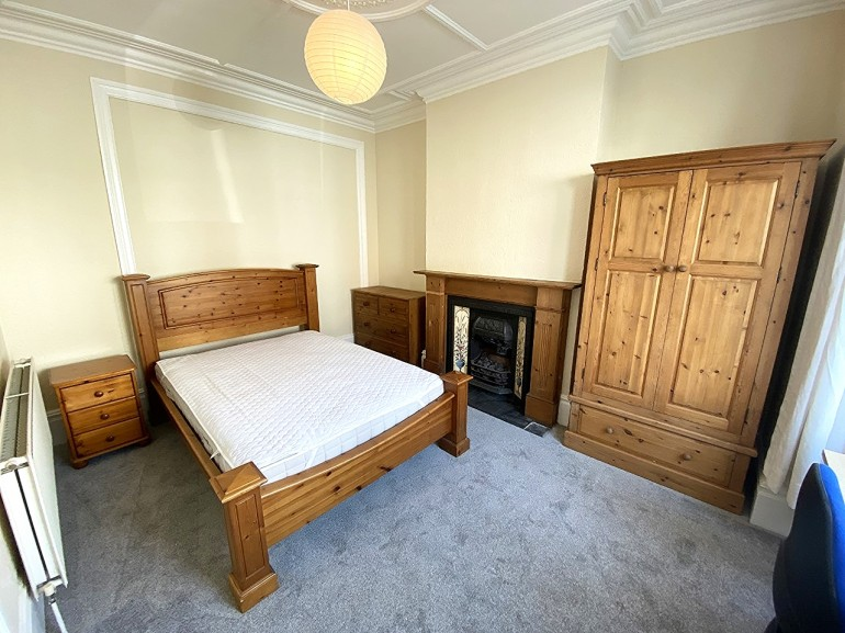 *NO STUDENT FEES 2021* Manners Road, Southsea